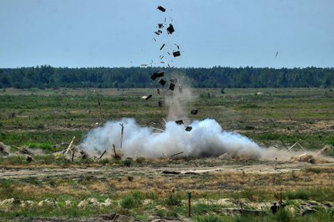 Military killed, five wounded in missile explosion