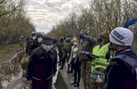 Ukraine, separatists exchange detainees
