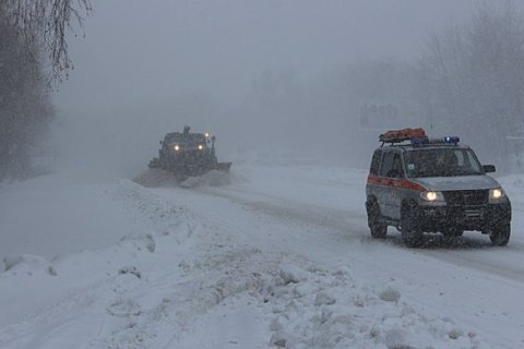 Roads closed in south Ukraine over heavy snow storms