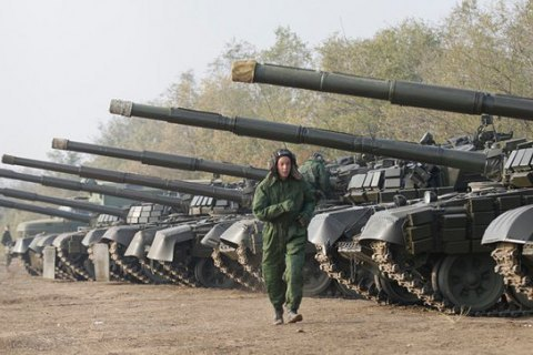 Poroshenko: increasingly more evidence of Russia readying for offensive war