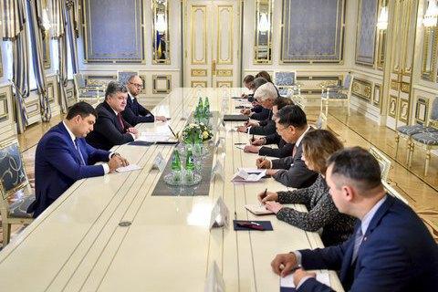 Reformers to keep posts, Ukrainian president tells G7