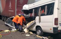 Ten killed in shuttle bus crash on Zhytomyr highway