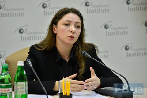 Expert: Cabinet, parliament, Ukrainians live in parallel realities