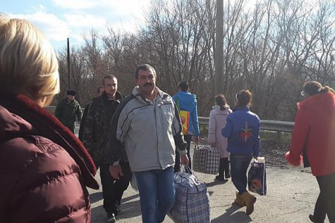 Three Ukrainians released from separatist captivity