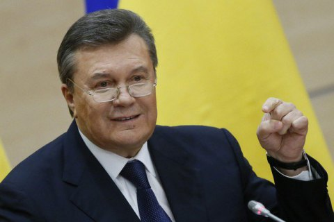 Lawyer shows up for questioning instead of Yanukovych
