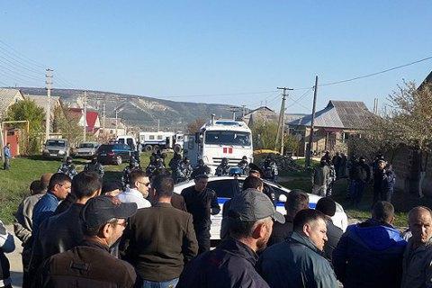 Tatar homes massively raided in Crimean Bakhchisaray