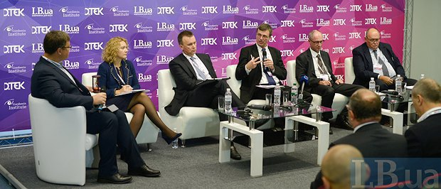 (Left to right) Serhiy Chekh, Karel Hirman, Torsten Wollert, Vitaliy Butenko, Olha Byelkova and moderator Oleksandr Kharchenko