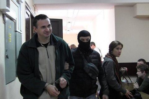 Sentsov writes to rights activists about his health