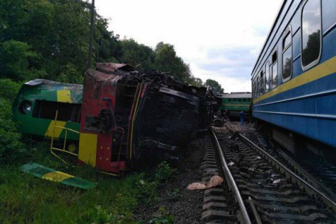Six hurt as trains collide in Khmelnytskyy Region