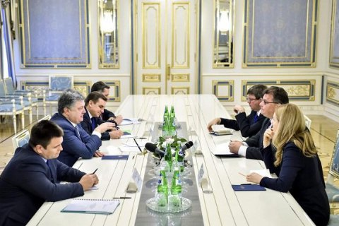 "President: Ukraine coordinating ""Savchenko list"" with USA, EU"