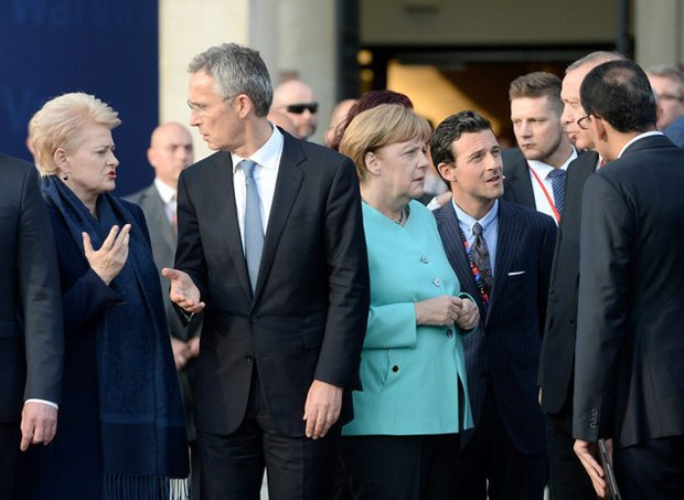 From left to right: Lithuanian President Dalia Grybauskaitė and NATO Secretary-General Jens Stoltenberg, German Chancellor Angela Merkel, French President Francois Hollande, TurkishPresident Recep Tayyip Erdogan talk to each other at the Warsaw NATO summit on 8 July 2016