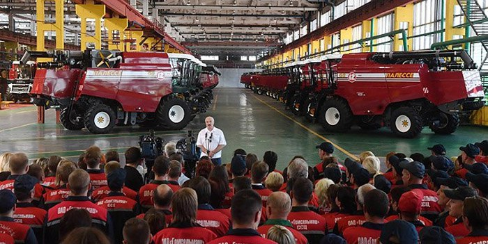 Alyaksandr Lukashenka at the Homselmash enterprise, 9 August 2018