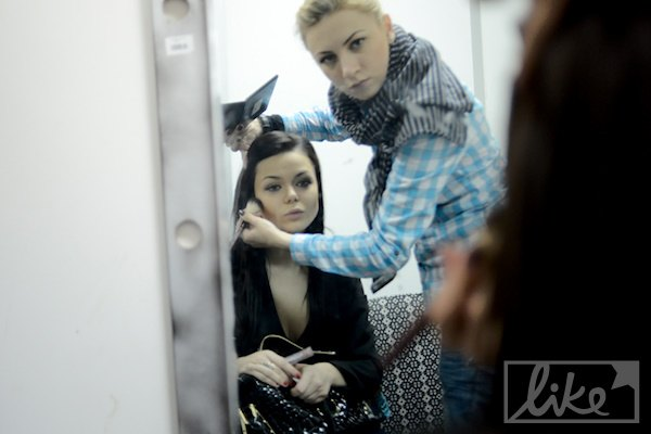 17-летнюю Алину Гросу на финале поддерживала мама-продюсер