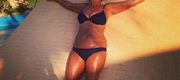 Жена Шаляпина в бикини похвасталась результатами пластики