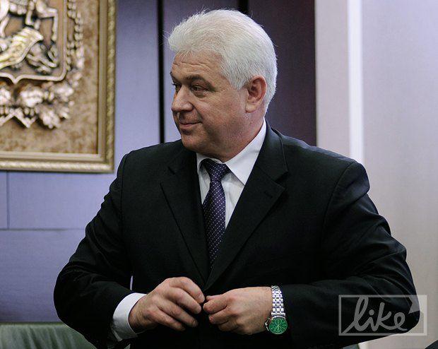 В день назначения на руке Присяжнюка были недорогие часы