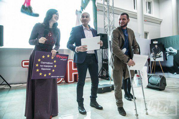 Все бойцы-участники проекта получили сертификаты на турпоездку по Европе