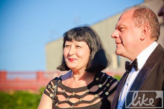 Министр культуры Михаил Кулиняк с женой