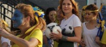 """Украинские звезды спели неофициальный гимн """"Евро-2012"""""""