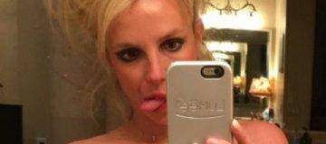 Бритни Спирс удивила татуировкой в интимном месте