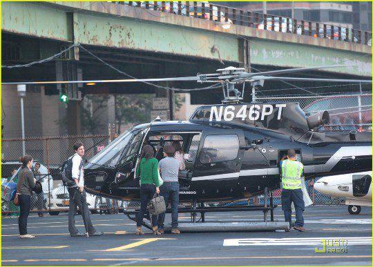 Вертолет был зафрахтован Крузами на 2 часа