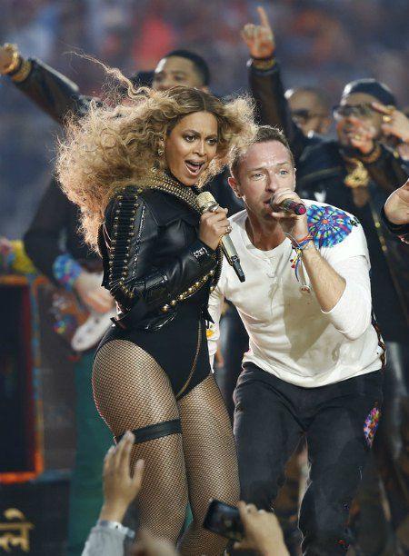 Бейонсе и лидер группы Coldplay Крис Мартин