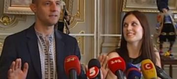 Козак Гаврилюк показал жену прессе и рассказал о пополнении в семье