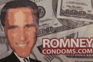 В США кандидата в президенты поместили на кондомы
