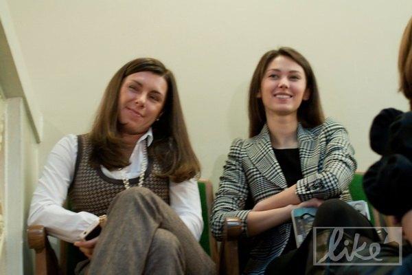 Катя Горина (справа) на открытой лекции Ксении Собчак