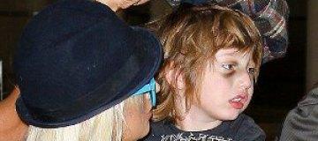 Агилеру обвинили в жестоком обращении с детьми