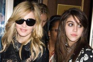 15-летнюю дочь Мадонны застукали с сигаретой