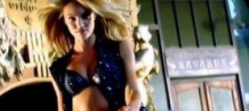 Victoria's Secret выпустил рождественскую рекламу
