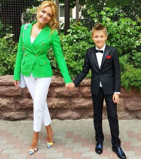 Сын Александра Пономарева Саша закончил 4-й класс.
