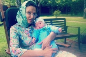 Бледанс пробежала марафон с новорожденным сыном