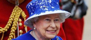 """Елизавета II пожаловалась, что подарки для королевы """"уже не те"""""""
