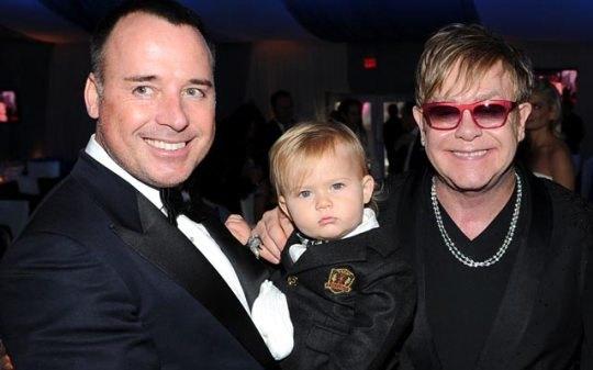 Элтон Джон с сыном и бойфрендом