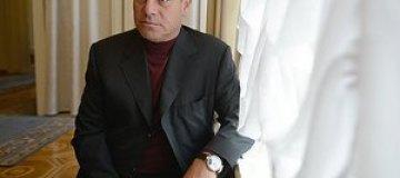 Лев Миримский засветил часы с изображением супруги