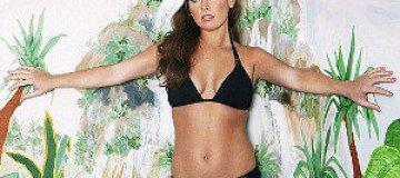 Жена Уэйна Руни снялась в рекламе купальников