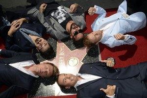 Backstreet Boys получили звезду на Аллее славы