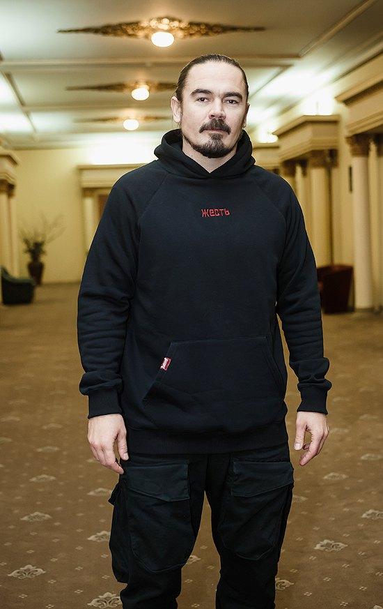 Фронтмен группы ТНМК Олег Фагот Михайлюта