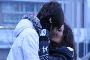 Добрыднева и Мех целовались на улицах Москвы