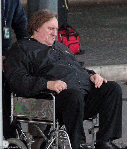 Жерар Депардье очутился в инвалидном кресле