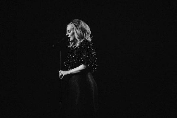 Адель на церемонии NRJ Music Awards