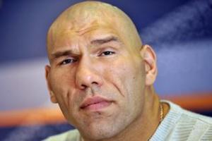 Боксеру Валуеву в Госдуме установили специальное кресло