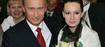 Хаматова просит Путина разрешить американцам усыновить 100 сирот