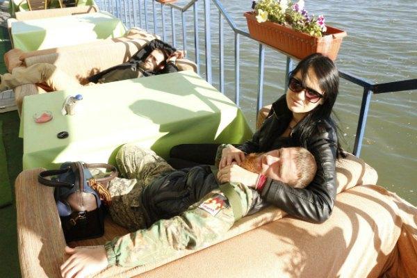 Моторола с женой Еленой