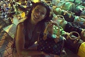 Елка в Египте накупила поддельных сумок