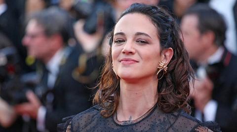 Одна из первых обвинивших Вайнштейна актрис оказалась замешаной в секс-скандале