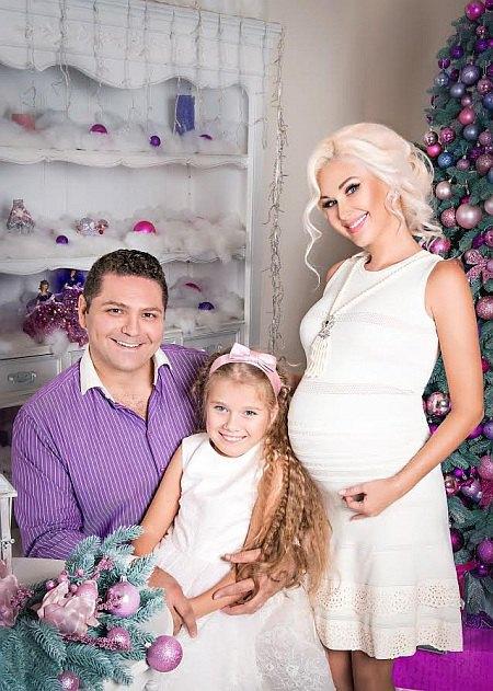 Бужинская с мужем Димитаром Стойчевым и дочкой Аленой