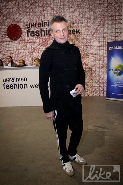 Дизайнер Виктор Анисимов