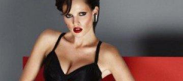 Соблазнительная Лара Стоун в Vogue Turkey